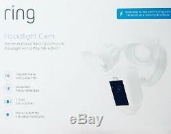 RING Floodlight Cam weiß, HD-Überwachungskamera mit 2 Flutlichtern, Sirene Neu