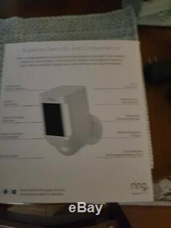 Ring Spotlight Cam Battery-Powered Security Camera White (8SB1S7-WEN0)