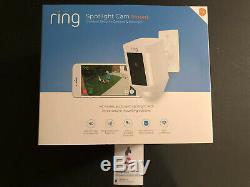 Ring Spotlight Cam Mount HARDWIRED White Outdoor 8SH5P7-WEN0 Alexa NEW In Box